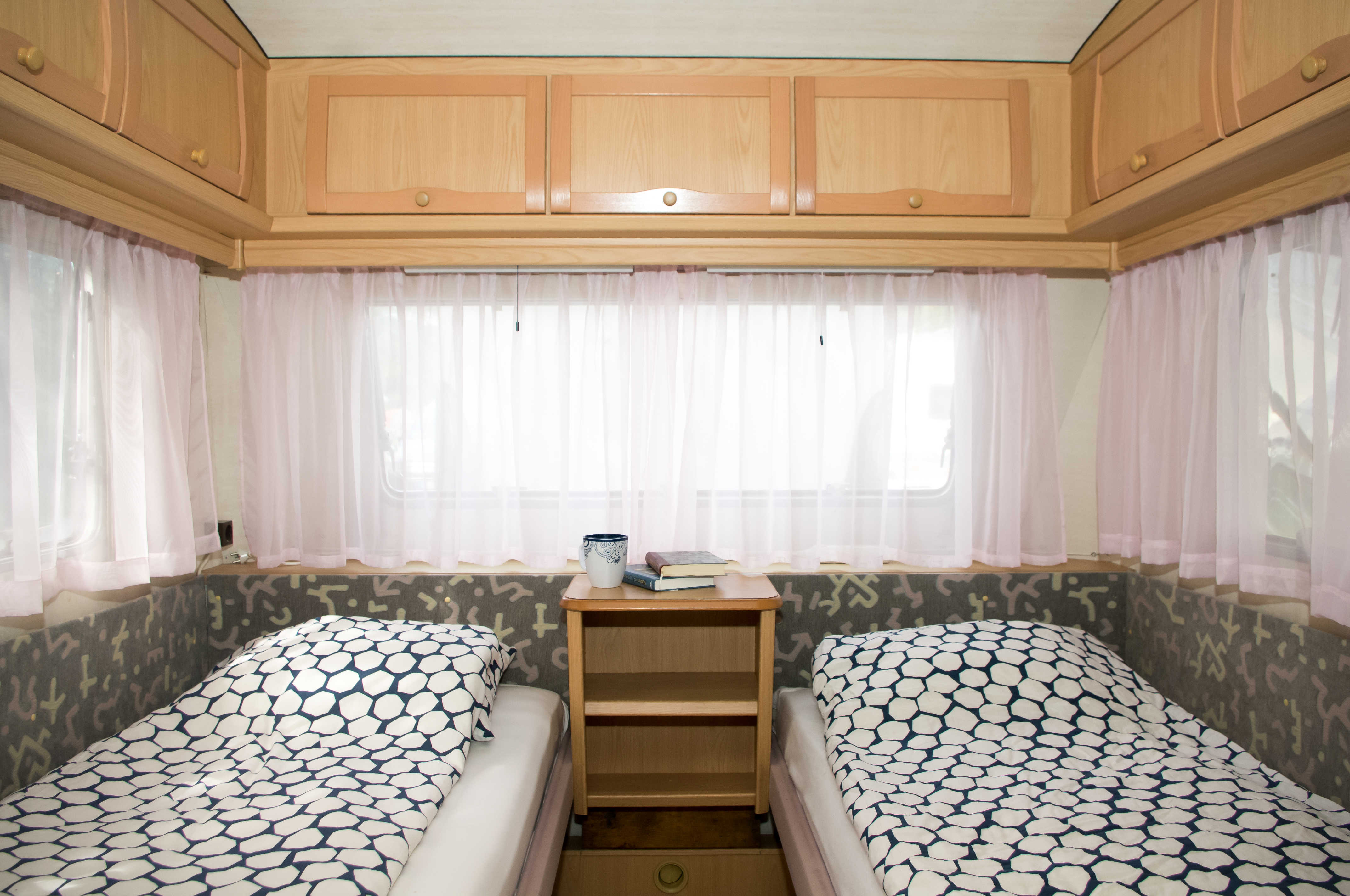 ber hmt wohnwagen k hlschrank gas bilder die designideen. Black Bedroom Furniture Sets. Home Design Ideas