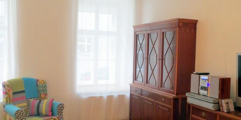 8_geräumiges Wohnzimmer